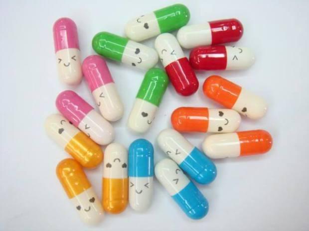 Happy-magic-pills-keep-smiling-8816189-640-480